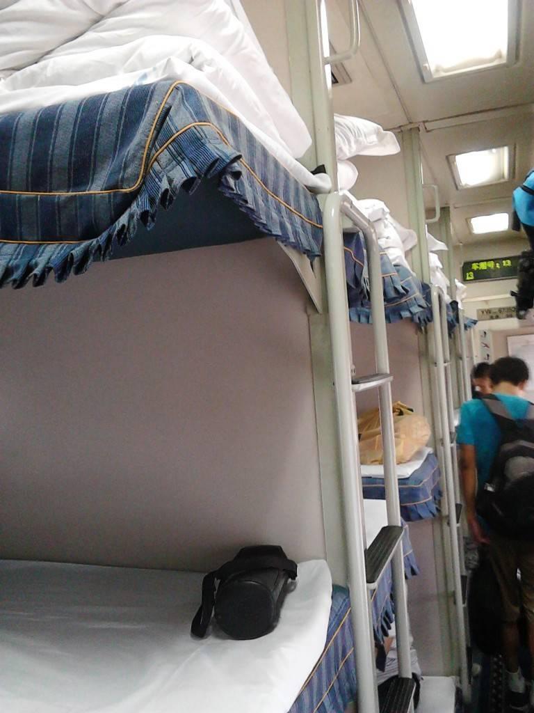 T175硬卧车厢