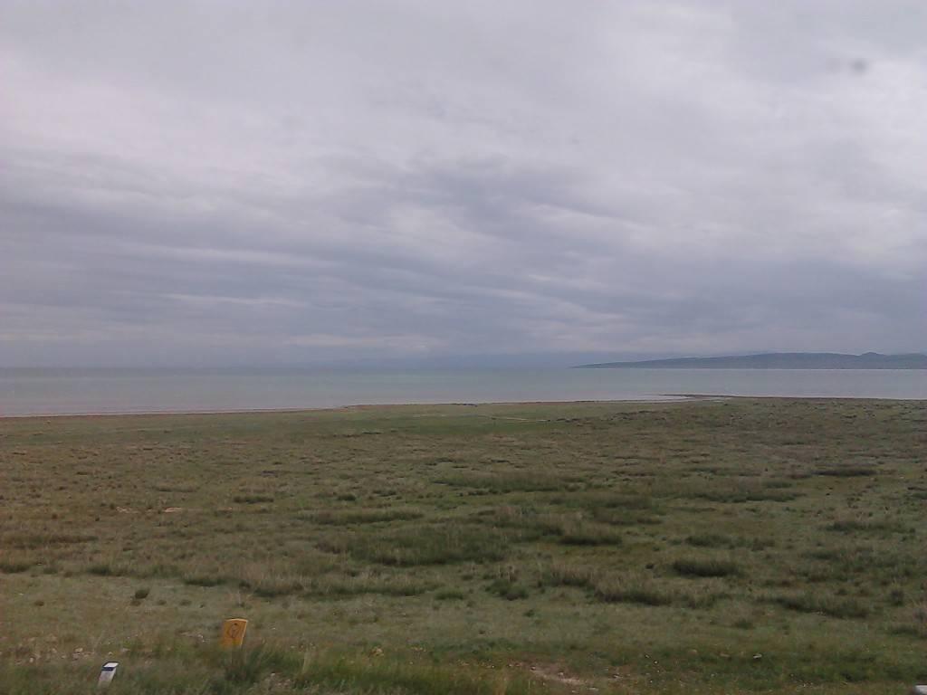 天蒙蒙,青海湖
