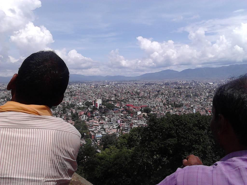 猴庙顶上可以看到加德满都全景